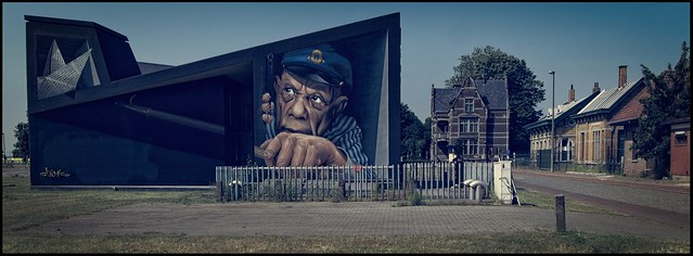 Street Art (by Chemis) - Oosterweel, Antwerp, Flanders, Belgium - Courtesy of and pictured by Fouquier aka Ronny - Click here to see the original.